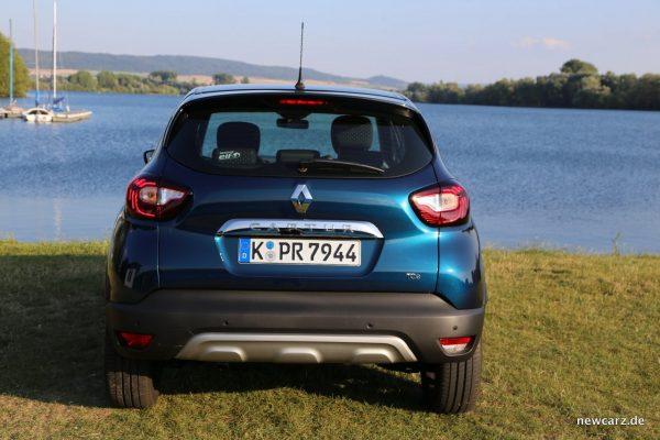 Renault Captur Heckansicht Unterfahrschutz