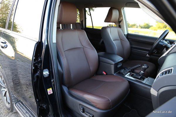Toyota Land Cruiser Sitze vorn