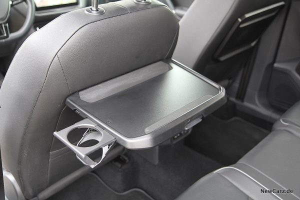 VW Tiguan Allspace Klapptisch hinten