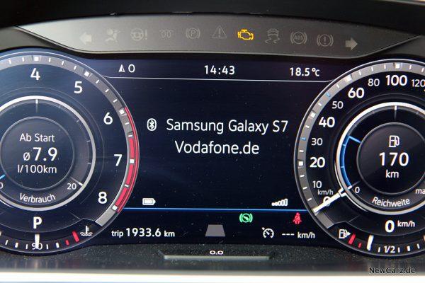 VW Tiguan Allspace Telefonanzeige