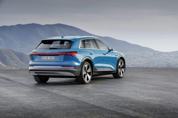 Heckansicht des Audi e-tron