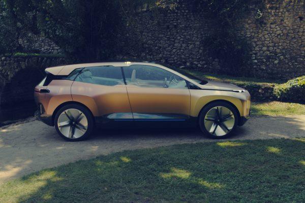 Seitenansicht des BMW Vision iNext