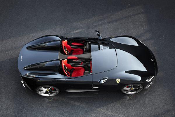 Ferrari kreiert mit den Modellen Monza SP1 und SP2 neue Stilikonen