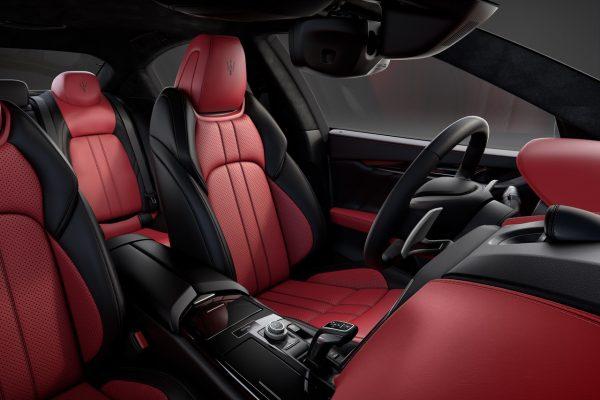 Interieur des Maserati Ghibli Ribelle