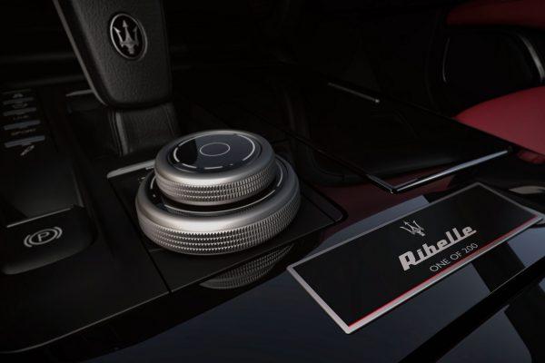 Mittelkonsole des Maserati Ghibli Ribelle