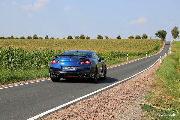 Nissan GT-R Track Edition schräg hinten rechts