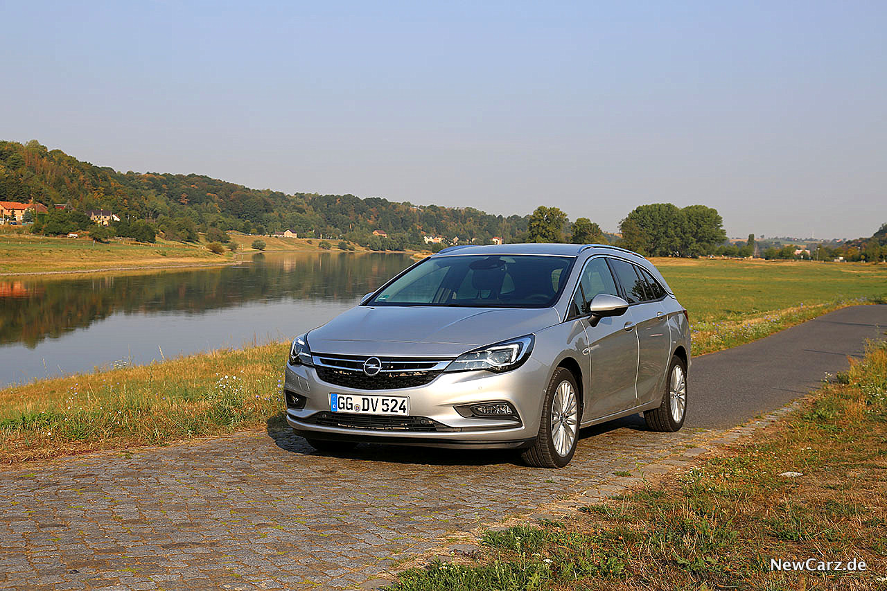 Opel Astra Sports Tourer Der Saubermann Newcarz De