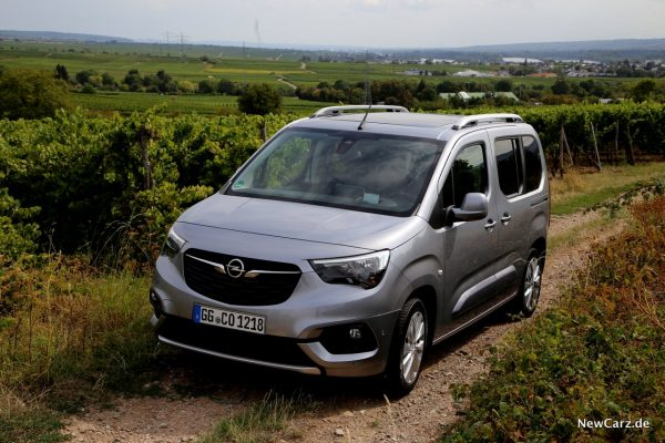 Opel Combo Front