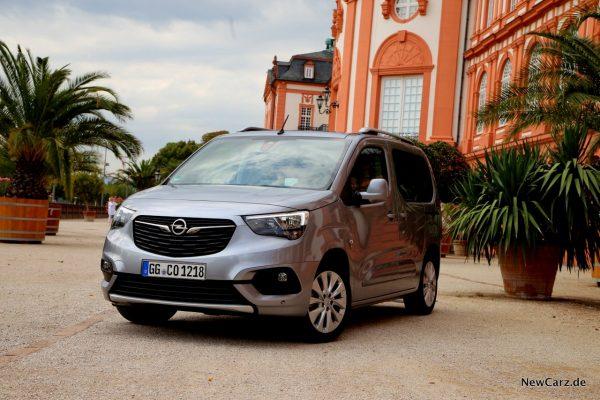 Opel Combo Life LED Signatur