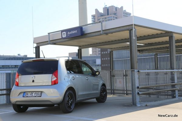 Seat Mii Ecofuel schräg hinten