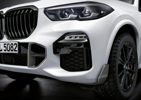 Front des BMW X5 mit M Performance Parts