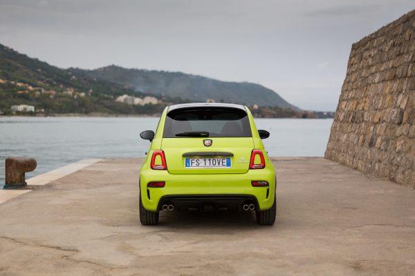 Heckansicht des Fiat Abart 595 Competizione