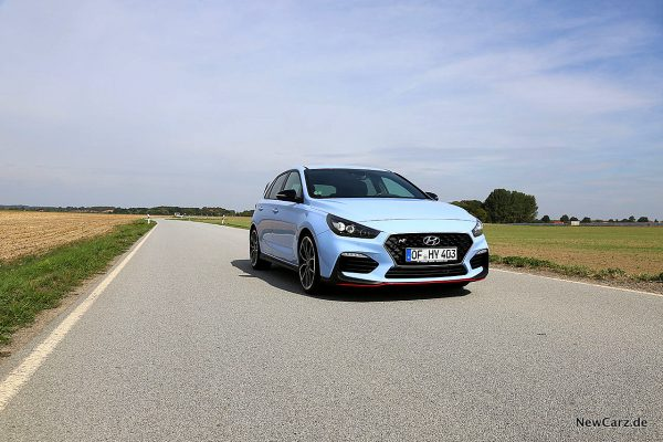 Hyundai i30 N Performance schräg vorn rechts
