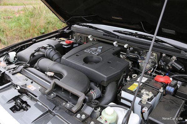 Mitsubishi Pajero Motor