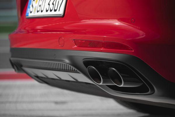 Untere Heckansicht der Porsche Panamera GTS Modelle