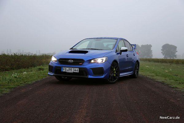 Subaru WRX STi schräg vorne