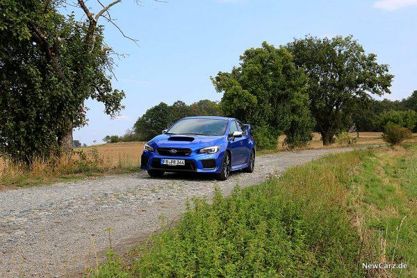 Subaru WRX STi Pflasterstraße