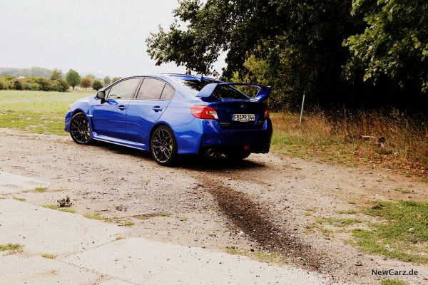 Subaru WRX STi schräg hinten