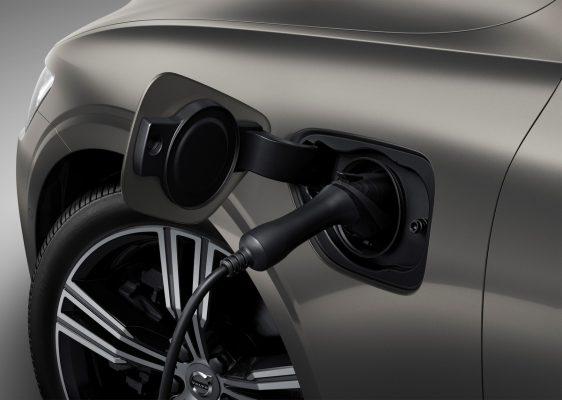 Beim Laden - Der neue Volvo V60 T8 Twin Engine AWD