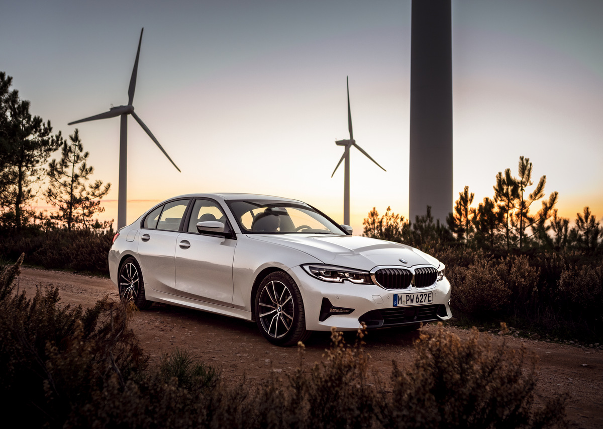 BMW 330e - Plug-in-Hybrid mit XtraBoost