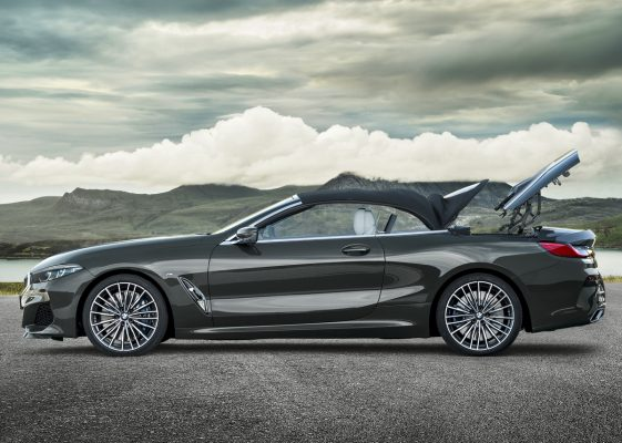 BMW M850i Cabrio - Verdeck klappt ein