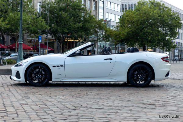 Maserati GranCabrio Sport Seite offen