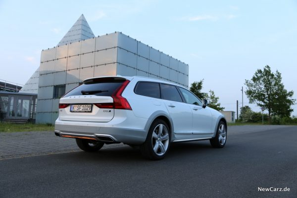 Volvo V90 Cross Country Ocean Race Heck