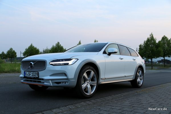 Volvo V90 Cross Country Ocean Race Front seitlich