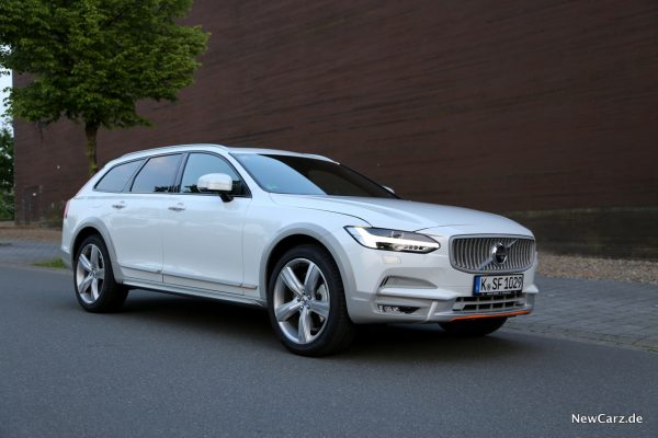 Volvo V90 Cross Country Ocean Race Front