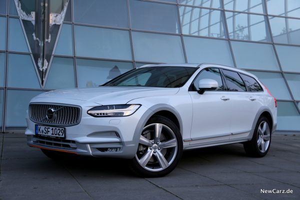 Volvo V90 Cross Country Ocean Race Seite