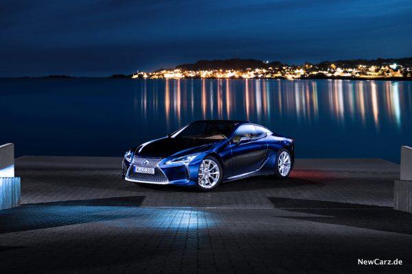 Lexus LC500 schräg vorne