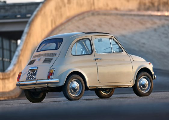 Heckansicht des Fiat 500 F