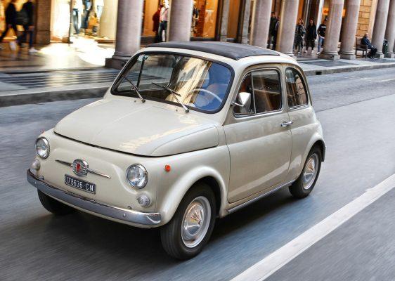 Fiat 500 F in der Stadt