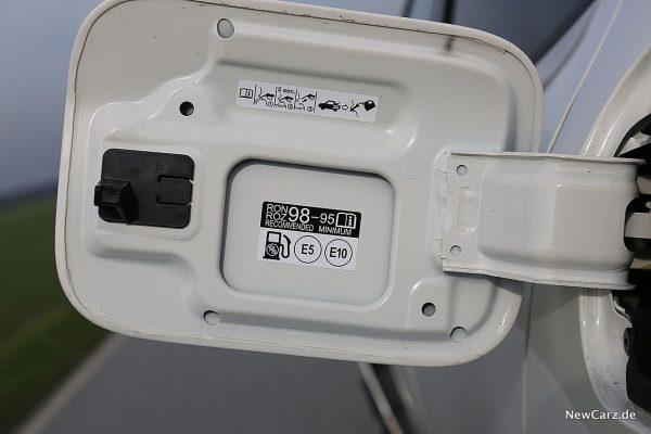 Honda Civic Type R Tankdeckel offen