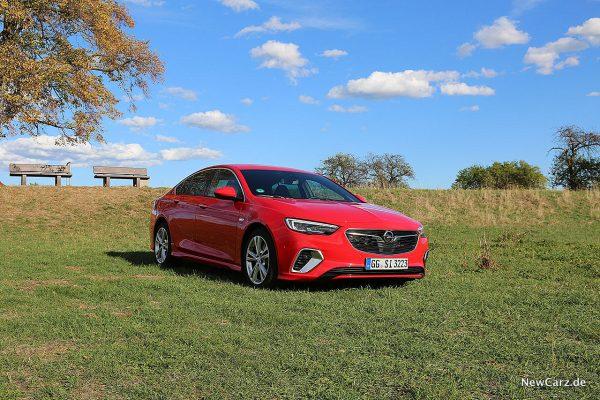 Opel Insignia GSi schräg vorne rechts