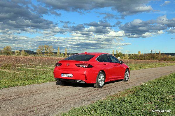 Opel Insignia GSi schräg hinten