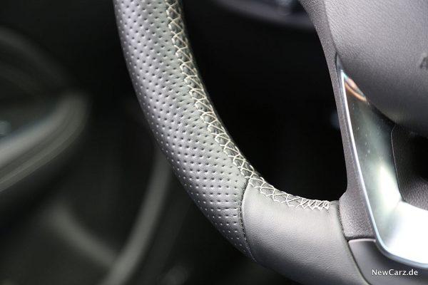 Opel Insignia GSi Lenkrad Detailaufnahme