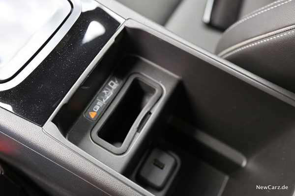 Opel Insignia GSi Induktive Ladebox