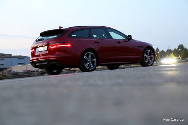 Jaguar XF Sportbrake Seite