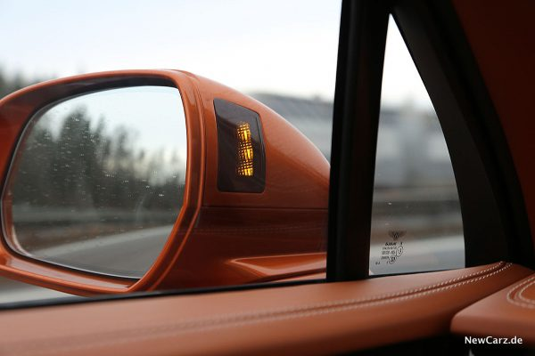 Bentley Bentayga V8 Totwinkelassistent