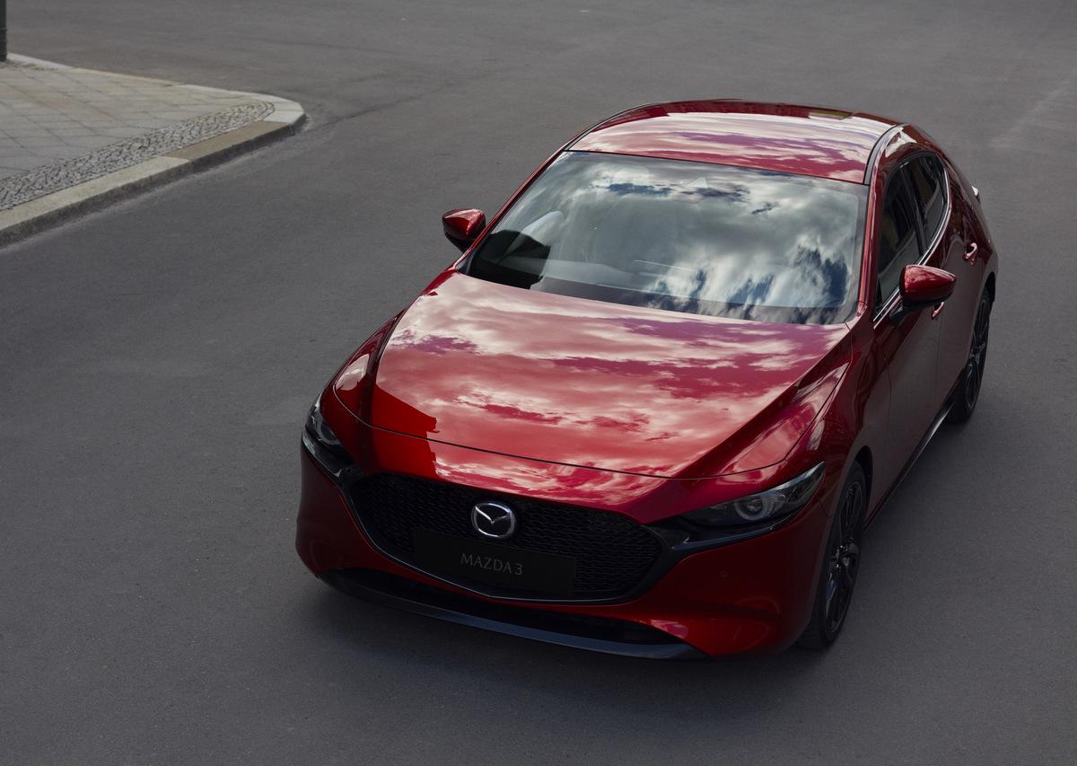 Frontansicht des neuen Mazda 3