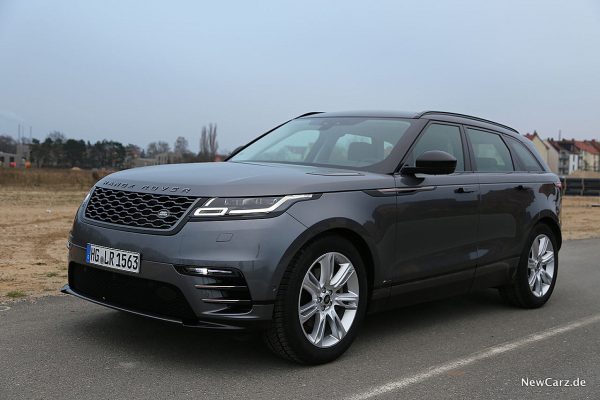Range Rover Velar schräg vorn links