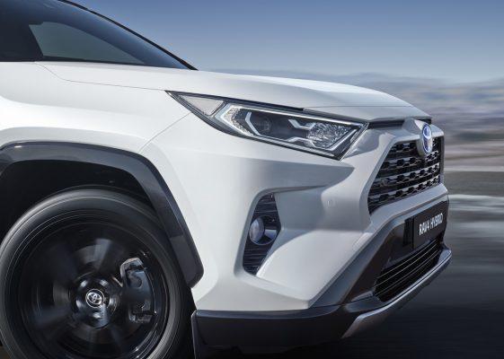 Vordere Seitenansicht des Toyota RAV4