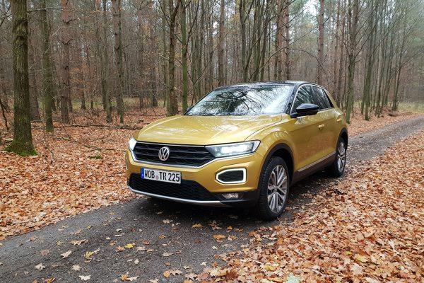 VW T-Roc im Herbstlaub