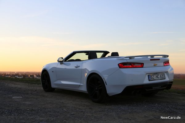 Chevrolet Camaro Cabriolet Heckansicht Sonnenuntergang