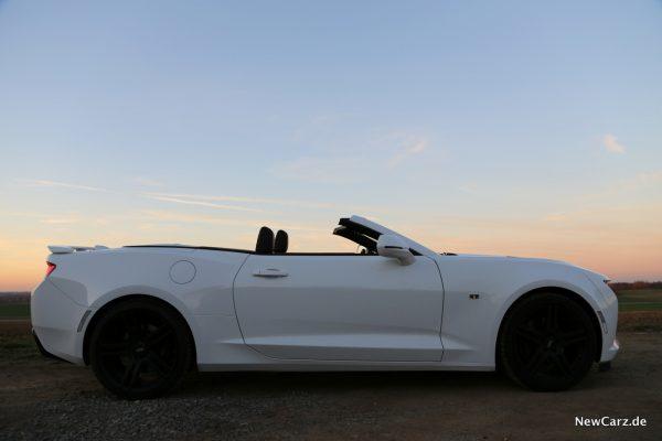 Chevrolet Camaro Cabriolet offen Seitenansicht