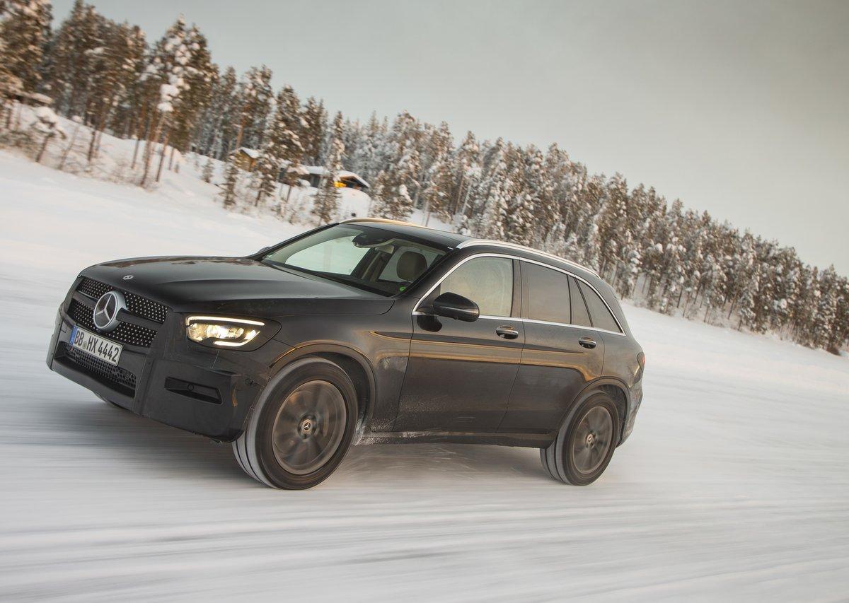 Mercedes-Benz GLC im Schnee