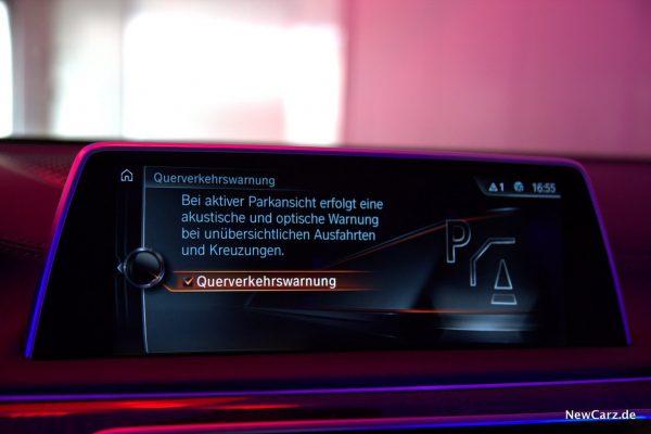 BMW 730d xDrive Querverkehrswarnung