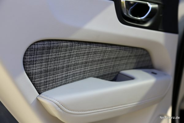 Volvo XC60 D3 Momentum Türverkleidung