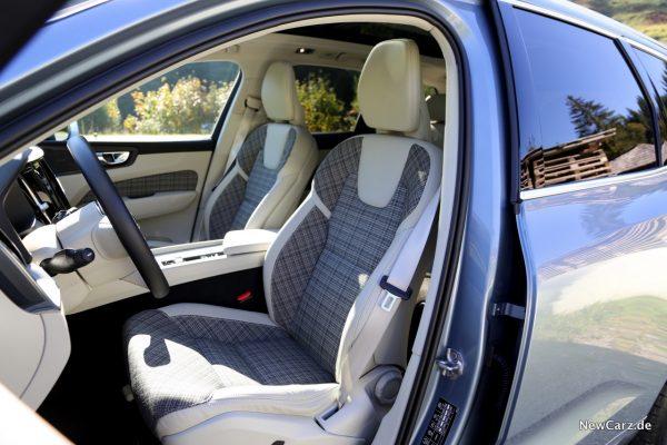 Volvo XC60 D3 Momentum Vordersitze